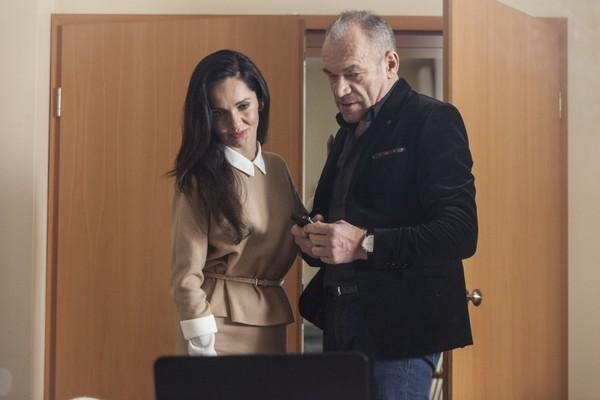 """Anna Prus i Mariusz Bonaszewski w serialu """"Przyjaciółki"""", foto: Hubert Komerski"""